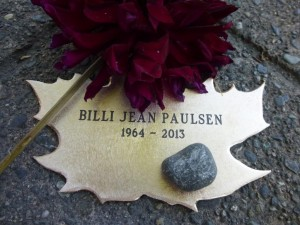 Leaf of Remembrance for Billi Jean Paulsen, with flowers..